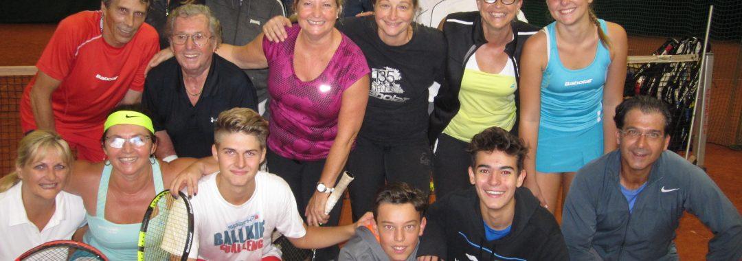 Erwachsenen Tennisgruppe